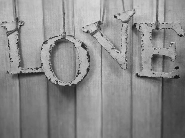 MUY-MOLON-LOVE